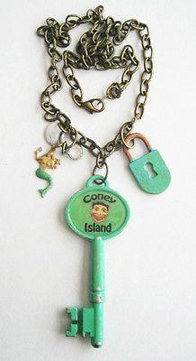 Coney Island TILLIE FACE Skeleton Key NECKLACE Lock MERMAID Pendant Souvenir Key Pendant, Pendant Necklace, Skeleton Key Necklace, Mermaid Pendant, Coney Island, Amusement Park, Funny Faces, Unique Jewelry, Handmade Gifts