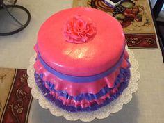 Ruffle cake, fondant, ruffle flower