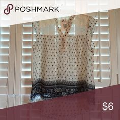 Pheasant Blouse Medium NWT. Sleeveless. Lace shoulders. Cream and blue Mine Tops Blouses