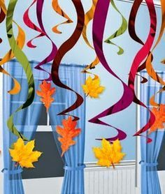 Klinkers in Beeld: Plafondhangers/slingers met herfstbladeren