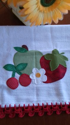 Iron on fabric Cupcake, 8 cm x 10 cm applique pieces), UK, made to order Colchas Country, Country Quilts, Applique Towels, Applique Quilts, Applique Embroidery Designs, Applique Patterns, Iron On Fabric, Towel Crafts, Quick Crochet