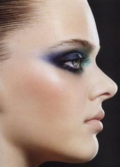 dramtic purple and green dark smokey eye #makeup