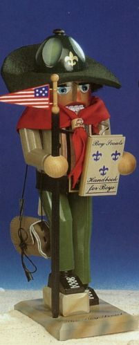 SIGNED Steinbach Boy Scout German Christmas Nutcracker Handcrafted in Germany