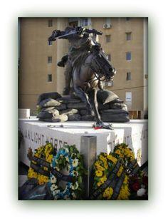 Australian Light Horse Monument, Beersheba Memorial Photo Record, World Conflicts, Sculptures, Lion Sculpture, Fox Hunting, Show Jumping, Memento Mori, Horse Breeds, Wild Horses