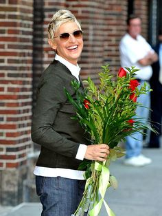 Liking the hair and jacket and sunnies and ellen.
