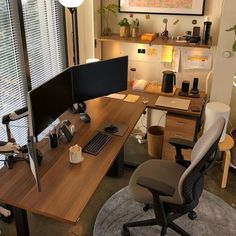 Office designs – Home Decor Interior Designs Home Office Layouts, Home Office Setup, Home Office Space, Home Office Desks, Home Desk, Desk Setup, Gaming Setup, Office Chairs, Workspace Design