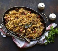 Paella, Chicken, Meat, Ethnic Recipes, Food, Meal, Eten, Hoods, Meals