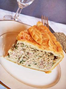 Thanksgiving leftover turkey terrine, ann green onions, maybe carrot matchsticks, : Terrine en croûte Leftovers Recipes, Baked Chicken Recipes, Savoury Dishes, Food Pictures, Food And Drink, Cooking Recipes, Favorite Recipes, Ethnic Recipes, Leftover Turkey