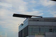 Ein Gebäude des Teglerflughafens fotografiert aus der Eingangshalle!