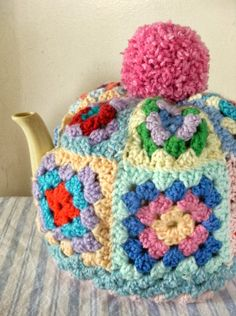 Made up this wee (I mean huge) Tea Cosy over the last few days. It made using my Tea Cosy Pattern but BIGGER, this will fit a 8 - 10 cu. Tea Cosy Knitting Pattern, Tea Cosy Pattern, Knitting Patterns, Crochet Patterns, Scarf Patterns, Knitting Tutorials, Crochet Cozy, Crochet Crafts, Yarn Crafts