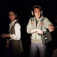 Miley Cyrus photobombs eerie scene in the paranormal thriller The Conjuring, staring Patrick Wilson and Vera Farmiga. 10 Film, Enfield Poltergeist, Conjuring 3, The Conjuring Annabelle, Lorraine Warren, Patrick Wilson, Image Film, Vera Farmiga, Weird News