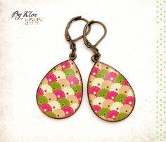 Boucles d'oreilles pendantes Cabochons • Motif Japonais • rose vert bronze verre