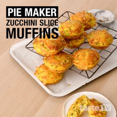 Cooked in a Kmart pie maker in just 15 minutes, these quick and easy muffins taste exactly like zucchini slice, perfect for the kids' lunchboxes. Savory Muffins, Savory Snacks, Savoury Muffins Vegetarian, Mini Pie Recipes, Quiche Recipes, Vegetarian Recipes, Cooking Recipes, Healthy Recipes, Breville Pie Maker