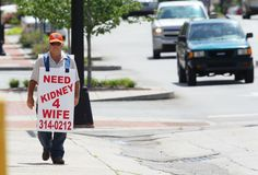 Wife who got kidney after hubby hit the streets with transplant sign dies