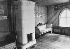 Jusupoffin tallirakennuksen asuinhuone Seurasaaren ulkomuseossa . 1800-l