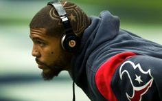 Arian Foster's great haircut might be the photo of the day Texans Players, Football Players, Arian Foster, Bulls On Parade, Houston Texans Football, Football Fever, Great Haircuts, Houston Rockets, Nfl Jerseys