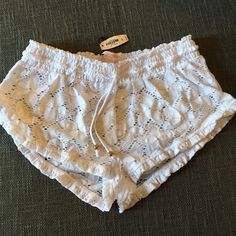 VICTORIA SECRET SHORTS NWT BEACHY SHORTS-SMALL PRICE IS FIRM UNLESS BUNDLED ❌NO TRADES Victoria's Secret Shorts