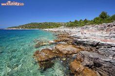 Murter / Tupungato / Shutterstock.com Tutte le foto: http://www.ilturista.info/ugc/foto_viaggi_vacanze/murter/dalmazia/