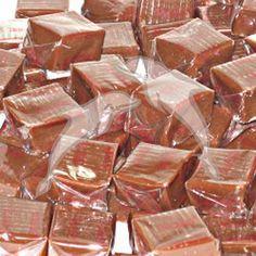 Chefs Muner y Omar las mejores recetas: Caramelos de chocolate caseros Venezuelan Food, Cookie Table, Cinnabon, Bread Machine Recipes, Candy Cookies, Sweets Cake, Dessert Recipes, Desserts, Toffee