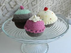 cupcake Idea Only Easy Crochet, Crochet Toys, Knit Crochet, Love Cupcakes, Handicraft, Ravelry, Crochet Projects, Needlework, Barbie