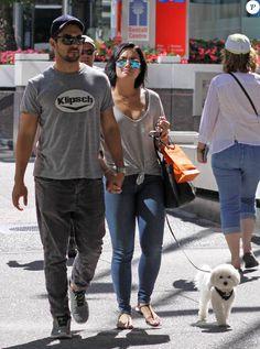 Demi Lovato et son chéri Wilmer Valderrama font du shoppign à Vancouver, le 19 juillet 2015