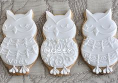 These are the most elegant and the prettiest owl cookies I have come across! Bird Cookies, Edible Cookies, Galletas Cookies, Sweet Cookies, Biscuit Cookies, Cute Cookies, Cupcake Cookies, Sugar Cookies, Cookie Factory
