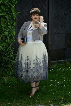 Curvy Claudia: Chic, chicer, Chi Chi London - very chic! Plus Size Chic, Look Plus Size, Curvy Plus Size, Plus Size Girls, Curvy Girl Outfits, Plus Size Outfits, Londoner Mode, Plus Size Kleidung, Plus Size Fashion For Women