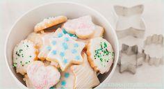 Backrezept mit Bild für einfache Weihnachtsplätzchen zum Ausstechen. Die Butterplätzchen mit Marzipan gehen schnell und sind kinderleicht.