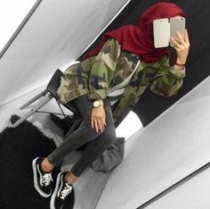 Military khaki hijab style – Just Trendy Girls Modern Hijab Fashion, Street Hijab Fashion, Arab Fashion, Islamic Fashion, Muslim Fashion, Look Fashion, Girl Fashion, Fashion Outfits, Hijab Casual