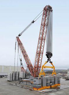 Grue treillis / sur chenilles / pour chantier de construction LR 13000 Liebherr Cranes