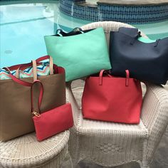 Large reversible tote bag purse navy/turquoise or tan/coral includes a matching zipper bag. Free shipping $40