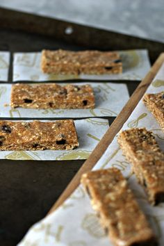 No-Bake Cinnamon Raisin Almond Butter Oat Bars. A vegan, gluten free and allergen friendly after-school snack!
