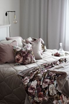 Bed Spreads, Comforters, Cushions, Beige, Blanket, Bedrooms, Autumn, Furniture, Home Decor