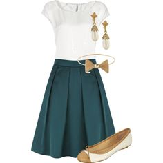 Teacher Outfits on a Teacher's Budget or close to. Nevertheless these clothes are adorable and on sale 😍 Fashion Moda, Work Fashion, Modest Fashion, Fashion Outfits, Womens Fashion, Apostolic Fashion, Fashion 2018, Fashion News, Summer Teacher Outfits