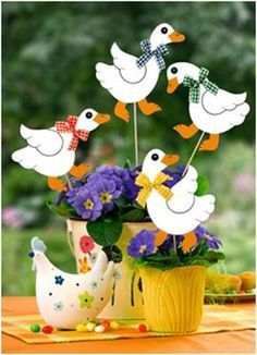 Márton-nap :: Óvoda Christmas Crafts For Kids, Easter Crafts, Christmas Ornaments, Farm Crafts, Diy And Crafts, Chicken Crafts, Little Red Hen, Diy Ostern, Wooden Animals