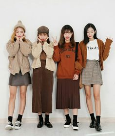 Korean Fashion Trends you can Steal – Designer Fashion Tips Korean Fashion Trends, Korea Fashion, Pop Fashion, Cute Fashion, Asian Fashion, Winter Fashion, Girl Fashion, Fashion Outfits, Womens Fashion