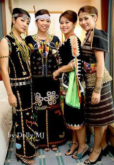 www.pandanholiday.com Traditional Costume of Sabah (Malaysia) #PandanHoliday #sabah