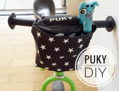 DIY: Sew a handlebar bag for a Puky balance bike yourself – Baby Supplies Baby Sewing Projects, Diy Projects For Kids, Sewing For Kids, Diy For Kids, Sewing Tutorials, Sewing Patterns, Sewing Diy, Diy Purse Hanger, Baby Bike