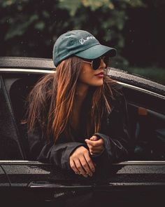 Cute cars photos are offered on our site. Take a look and you wont be sorry you did. Self Portrait Photography, Portrait Photography Poses, Photography Poses Women, Photography Tips, Travel Photography, Teenage Girl Photography, Photography Lighting, Stunning Photography, Photography Tutorials