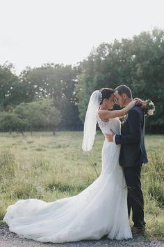 Une magnifique mariée CréAnne ❤️❤️ De magnifiques souvenirs !!! Encore merci pour votre confiance en CréAnne. 😍 Crédit photo : Charlotte Beaune