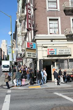 People Lined up for Public Aid in the Tenderloin by Ray Cunningham, via Flickr