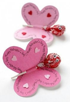 Simply quick and homemade - great souvenir for the daycare, children& birthday party or pajama party *** Quick and Easy Giveaway Craft - kids party or just a little thank you valentines day day day cards day crafts day food day ideas geschenk spruch Kids Crafts, Diy And Crafts, Paper Crafts, Craft Kids, Creative Crafts, Yarn Crafts, Valentine Day Crafts, Happy Valentines Day, Kids Valentines