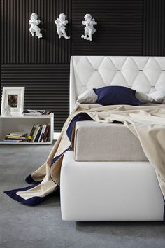 Download the catalogue and request prices of Diamond By novaluna, imitation leather double bed with upholstered headboard design Giovanni Pesce, the best Collection