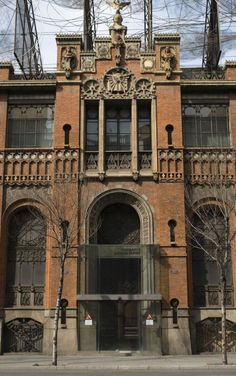 10 Things To Do in Barcelona: Check out the 'Barrios' of Eixample and Gracia