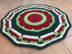 Alfombra CALA patrón Missaquitos Blanket, Rugs, Crochet, Home Decor, Calla Lilies, Farmhouse Rugs, Decoration Home, Room Decor, Ganchillo