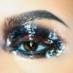 Glossy eye make up Makeup Inspo, Makeup Art, Makeup Inspiration, Beauty Makeup, Hair Makeup, Makeup Ideas, Édito Vogue, Glitter Make Up, Glitter Gloss