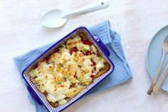Op zoek naar een lekkere en simpele ovenschotel? Maak dan eens dit recept met aardappel, kip en boursin. Super lekker en ZO simpel! Eet smakelijk.