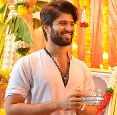 Image may contain: 1 person, standing and beard Cute Photos, Hd Photos, Love Failure Quotes, Vijay Actor, Unique Facts, Vijay Devarakonda, Indian Star, Funny School Jokes, Indian Men Fashion