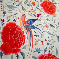 I have become addicted to collecting vintage pianom shawls - I really want to find a white one like this beauty.