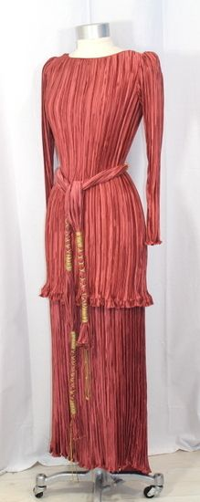 Vintage 70s #Mary McFadden Pleated Rose Satin Evening Ensemble  Of course I am not into wearing women clothes but I always admired the Mary McFadden look !!!